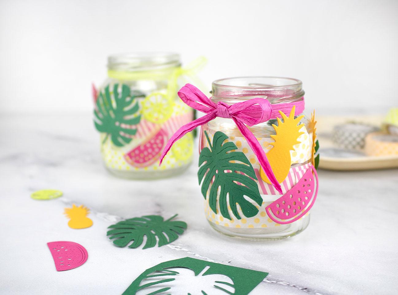 Windlicht mit Monstera-Blättern und tropischen Früchten nettes Geschnek für Freunde