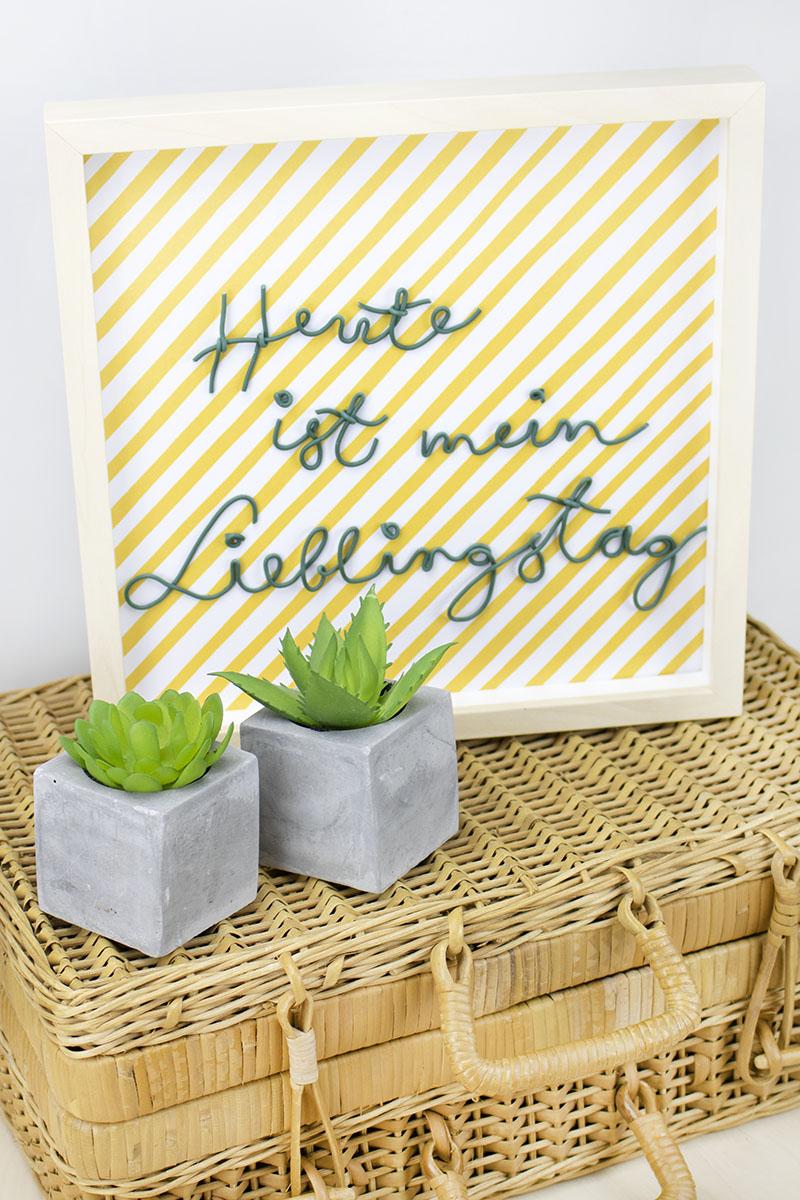 Draht Lettering Typo Draht gebogen und auf Papier geklebt