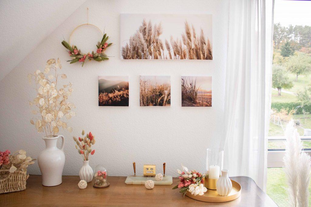 Wohntrend Fotoleinwand Galerie mit Gräsern und Trockenblumen