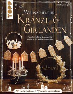 Kraenze und Girlanden zur Weihnachtszeit